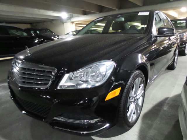 Pre owned 2014 mercedes benz c300 luxury sedan in atlanta for Mercedes benz buckhead preowned